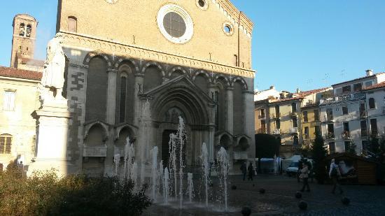 Chiesa di San Lorenzo: La facciata della chiesa di  S. Lorenzo
