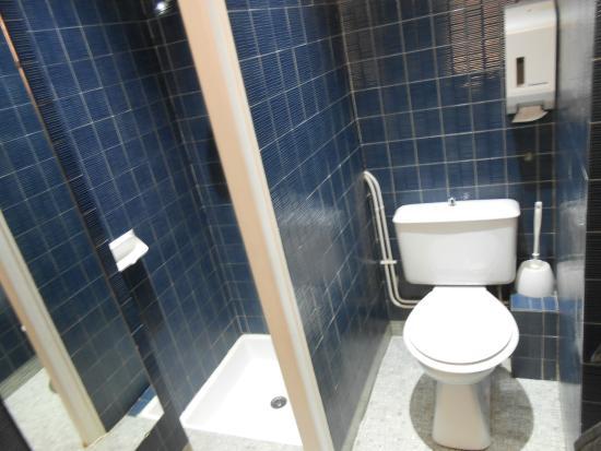 Hotel Jeanne d'Arc: Baño