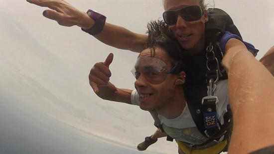 SkyDive Oz: Top of the world! Vincent Bastien