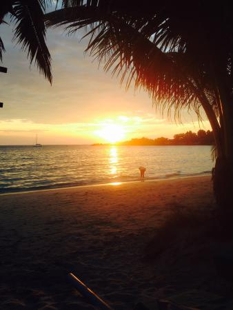 Koh Chang Paradise Resort & Spa: Sonnenuntergang am Strand