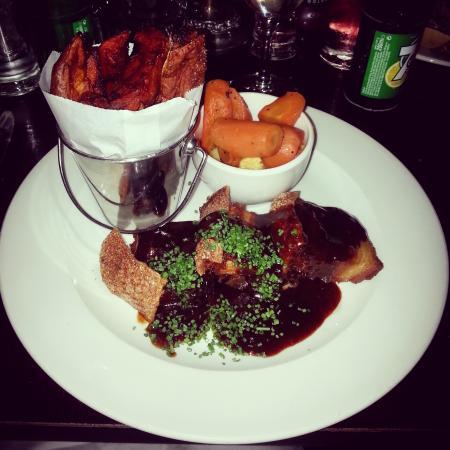 Ντροχέντα, Ιρλανδία: crackling pork belly, absolutely delicious!