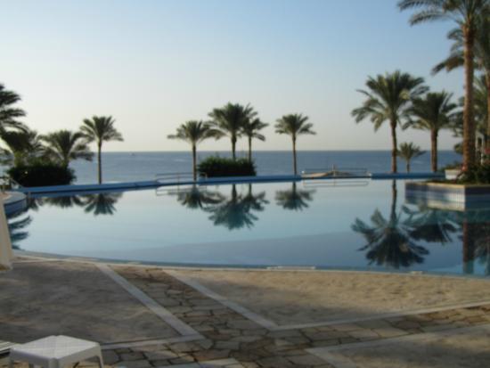 Continental Garden Reef Resort : Нижний басс