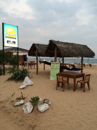 Hotel Harmony: Beach bar