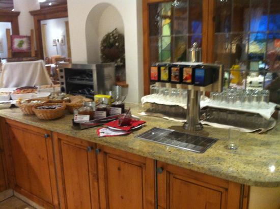 Hotel Enzian: 6. Morgenmad buffet