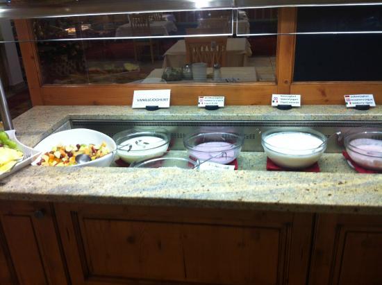 Hotel Enzian: 2. Morgenmad buffet