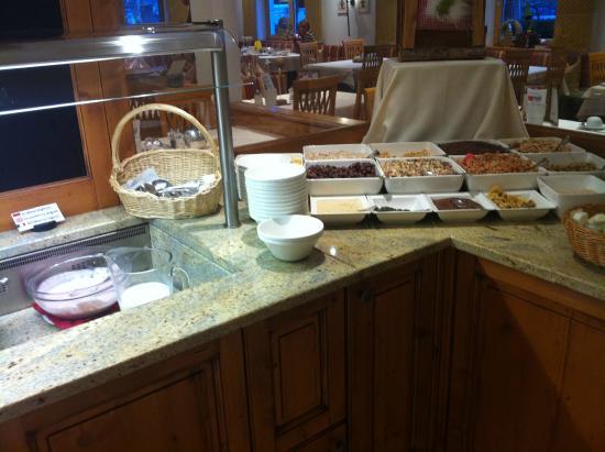 Hotel Enzian: 7. Morgenmad buffet