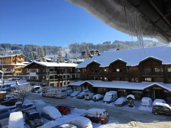 Chamois D'Or Hotel & Spa: Balcony View