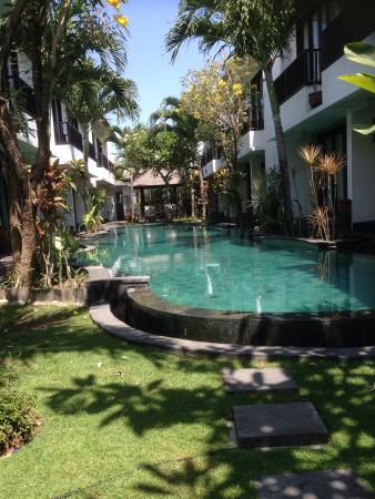 Seminyak Town House: Pool view