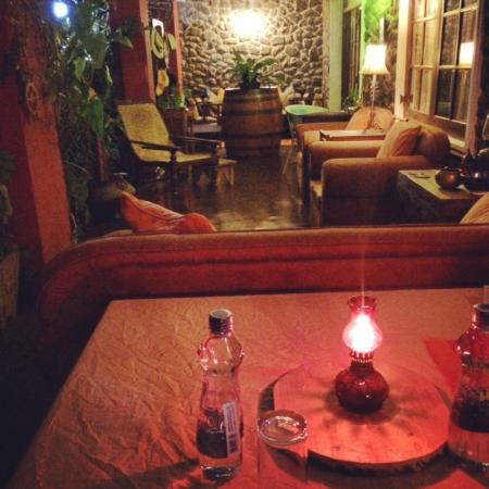 The Kandyan Manor: Dinner in the garden