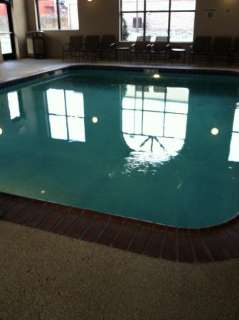 Holiday Inn Express Claypool Hill: This is the heated indoor pool