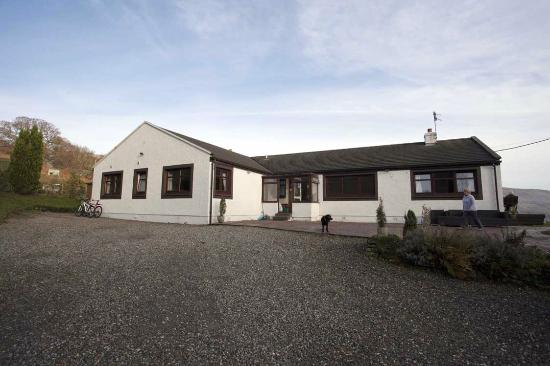 Corries B & B: Spacious accommodation and ample parking
