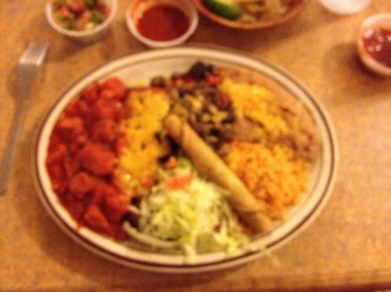 Andele Restaurant: Andele's Combi Platter #3 w/red chile