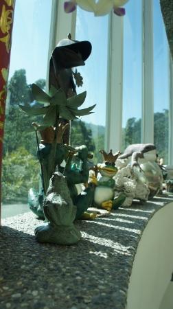 Frog Grandma's Home: Stair well