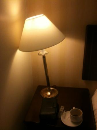 Boyne Valley Hotel & Country Club: Wobbly lamp