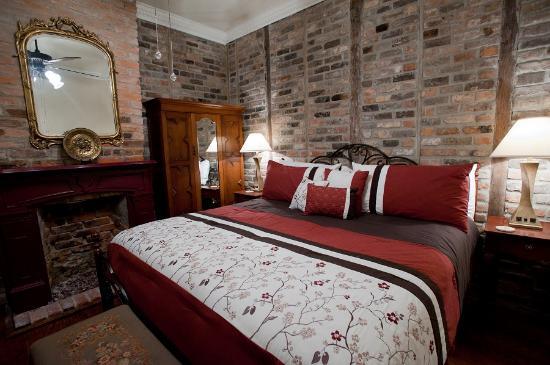 The New Orleans Jazz Quarters: 1 bedroom Queen Suite