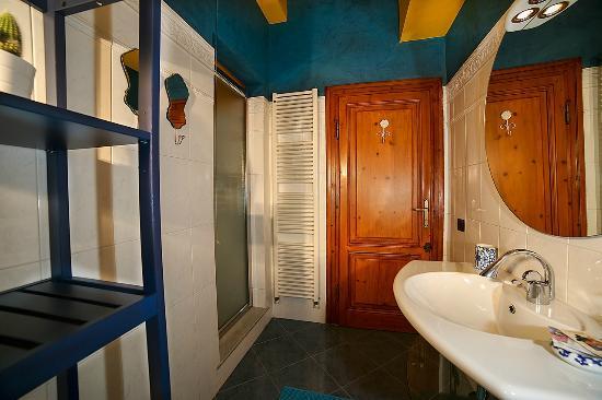 B&B La Casa dell'Artista: Il bagno di Violetta