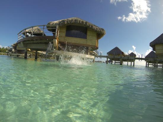 Le Taha'a Island Resort & Spa: scaletta che porta in camera
