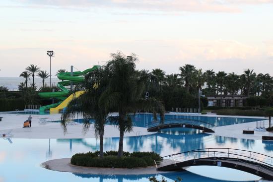 Miracle Resort Hotel: havuzun görünüsü
