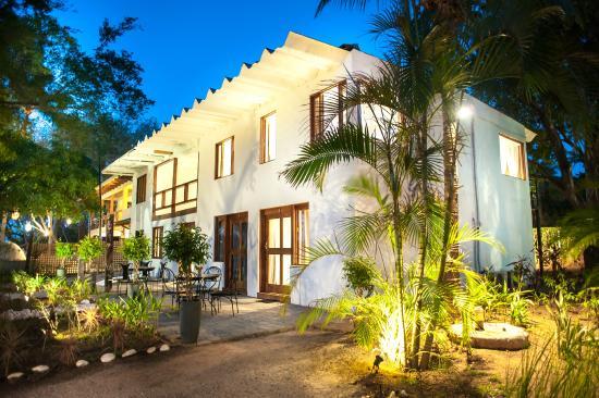 Hotel Casa Blanca Tamarindo