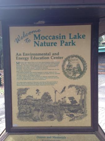 Moccasin Lake Nature Park: Welcome!