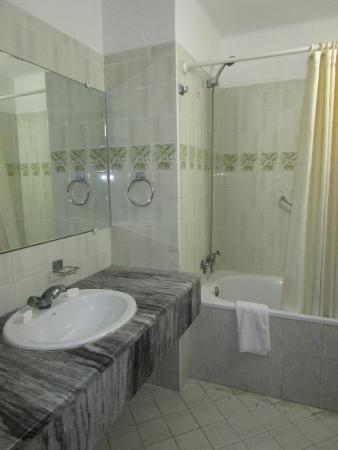 Hotel Acuazul: из принадлежностей только мыло