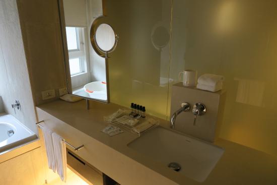 Gloria Residence : bathroom