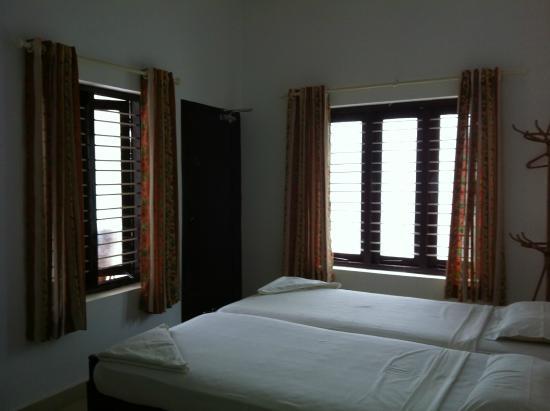 Rajapark Beach Resort: Deluxe a/c room