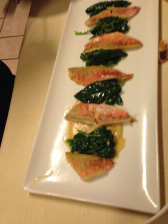 La Voglia Matta: Filetti di triglie con spinaci