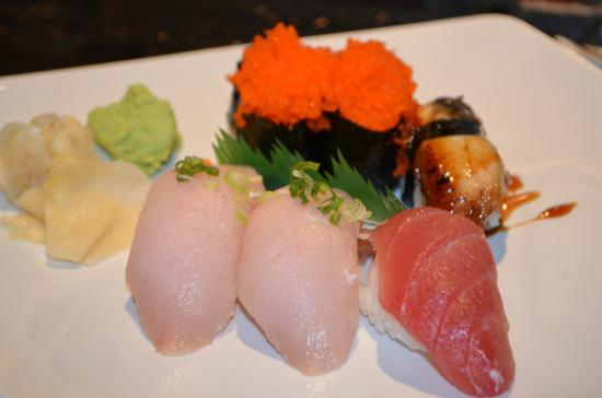 Tuna fish egg yellowtail sashimi picture of sakana for Yellowtail fish sushi