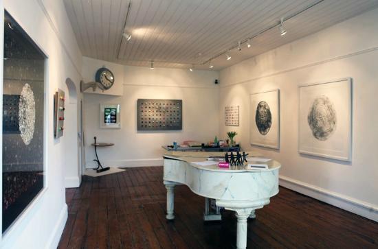 Modern Artists Gallery