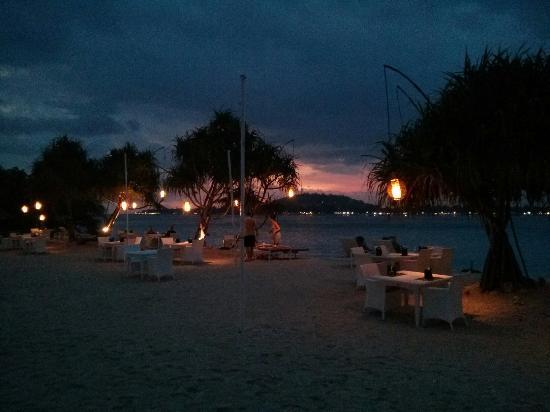 MAHAMAYA Gili Meno: Sunset from the hotel beach