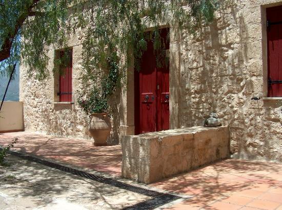AgioKlima Tradional Houses: the other yard