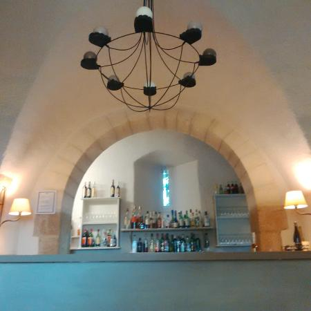 Bar picture of garrigae abbaye de sainte croix salon de for Abbaye de sainte croix salon