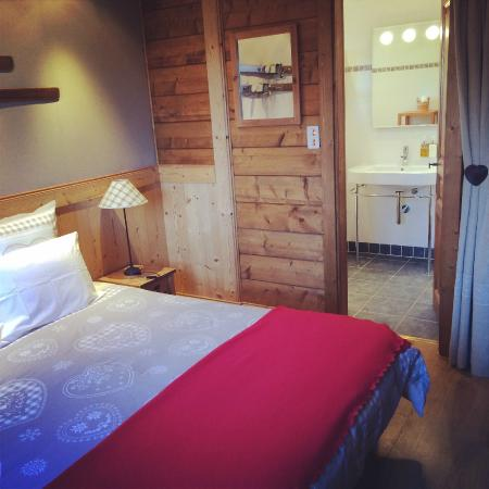 One of Chalet Calluna rooms. All rooms are en-suite.