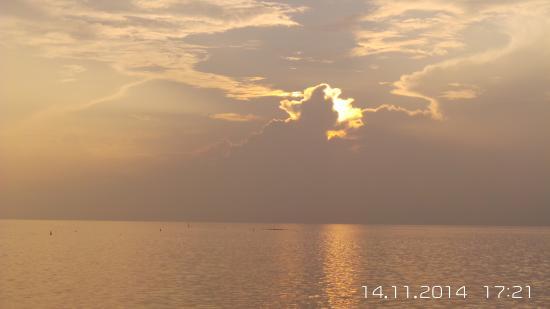 Anantara VeliMaldivesResort: sun set