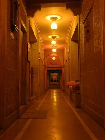 Titanic Hotel: Hall