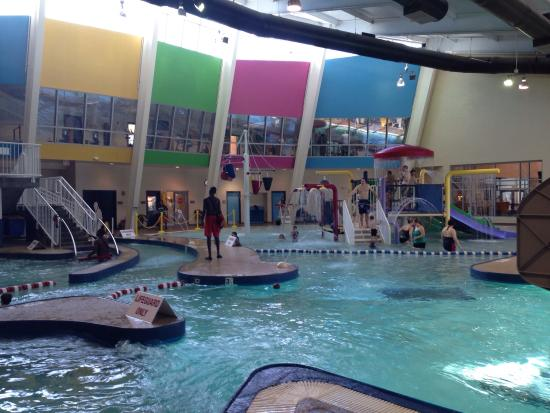 Ray's Splash Planet: Lifeguards are very good and attentive
