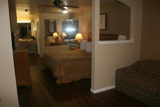 Scottish Inns & Suites Kemah: King Executive Suite