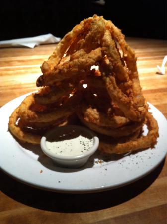 Cheddar's : Order of appetizer Fried Onion Rings