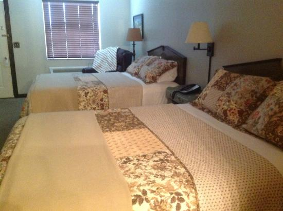 Deerfield Inn: guest room