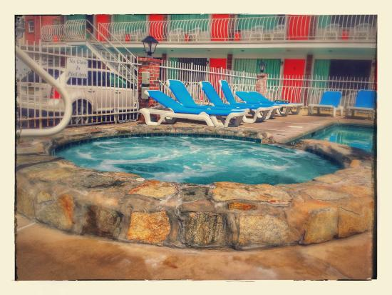 Mango Motel: POOL, Whirl Pool Area