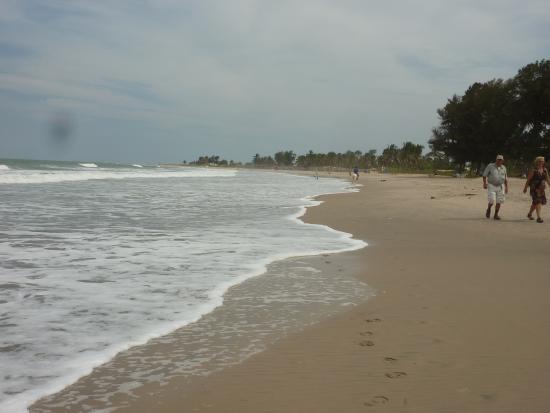 Leybato Hotel: lovely beach