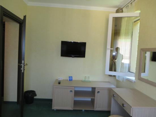 Bukhta Vikingiv : view of main room of 2 room apartment
