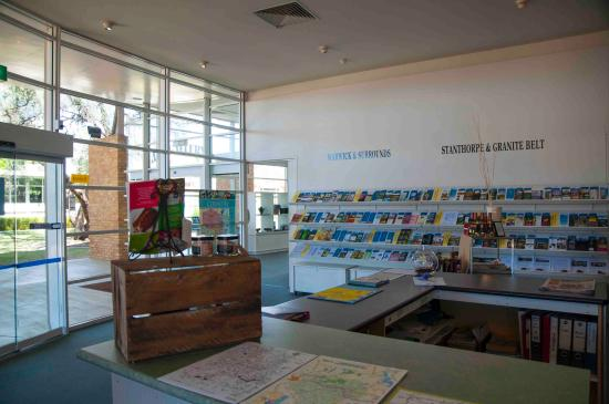 Warwick Visitor Information Centre: Visitor Centre