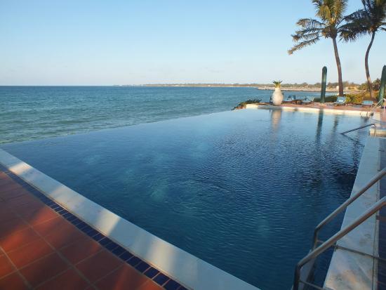 Avani Pemba Beach Hotel Spa Het Zwembad
