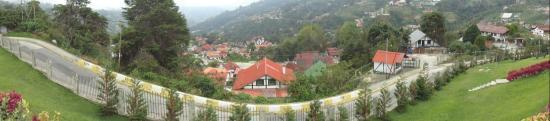 Cabanas Breidenbach: Vista desde el frente desde la ventana de la Cabaña