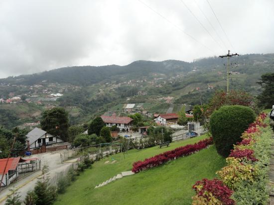 Cabanas Breidenbach: Foto de la Vista del Pueblo desde la Cañana Principal.