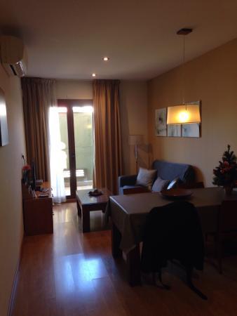 Apartments Unio: Living/dining area #502