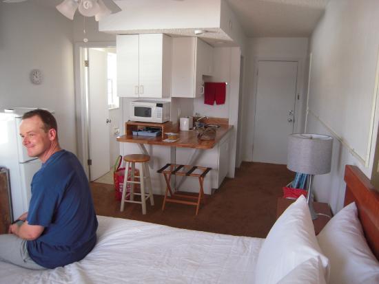 Coral Key Inn: room