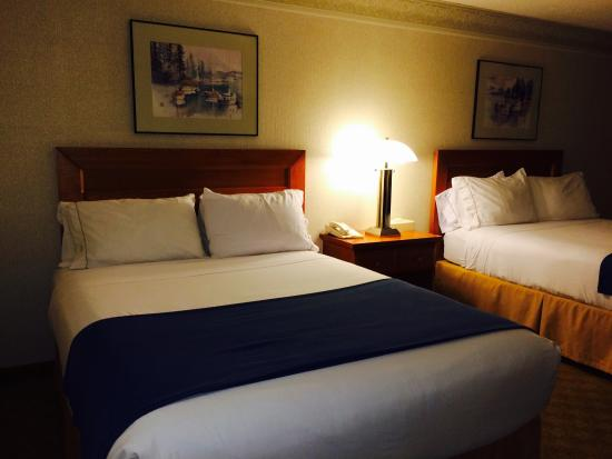 Holiday Inn Express Tacoma : Nice double bed